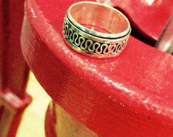 Bali Legacy Sterling Silver Spinner Band