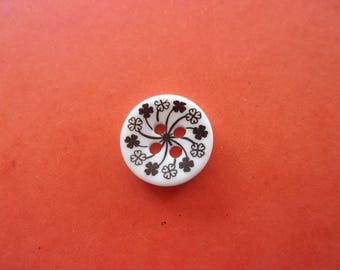Black and white resin button, flowers, 4 holes - 1.2 cm