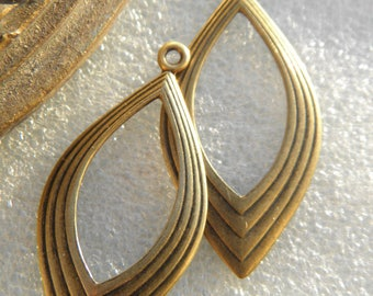 Lot 2 pendants 35mm prints ideal retro hoop design earrings brass bronze vintage finish