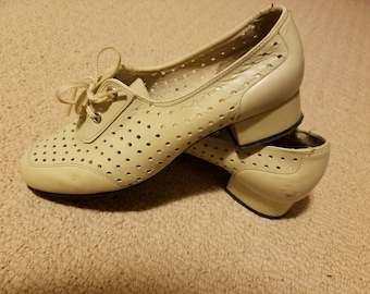 SALE Vintage White Woven Tie Oxford Block Heels - Size 7/7.5