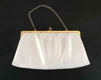 And'e Elegant Vintage 50's  Snow White  Faux Leather  Clutch Chain Evening Summer Purse, Bag Gold Tone Clasp