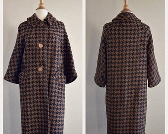 SHOP SALE Vintage Houndstooth Coat in Brown and Black - 1950s 1960s Cropped Sleeves Size Medium Large
