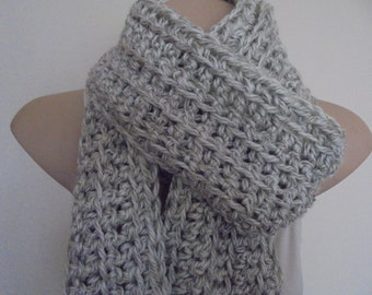 Crocheted scarf in light grey tones