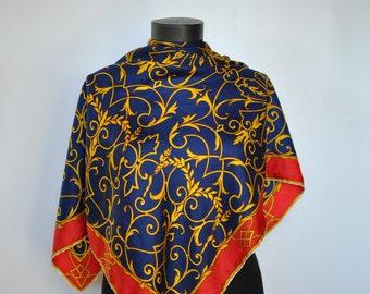 Vintage PRINTED SILK SCARF , hand rolled scarf....(207)