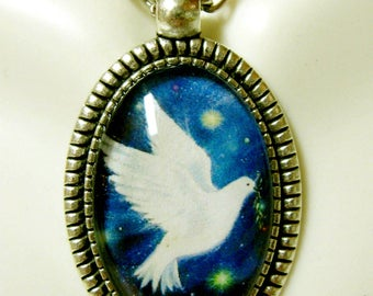 Dove of peace pendant and chain - AP26-183