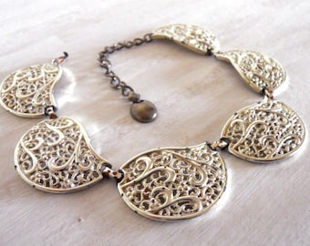 Paisley choker necklace India inspired statement necklace