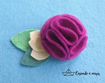 """Felt """"pompon flower"""" brooch"""