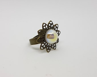 Antiqued Brass Filigree Daisy Ring