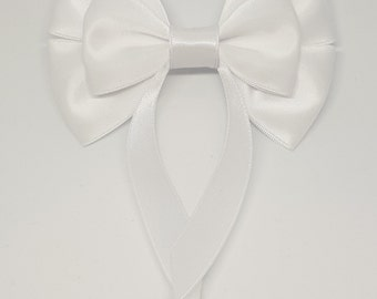 White Swallow Tail Hair Bow