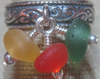 Sea Stones Three in Yellow, Green & Red Cluster Dangle - R144