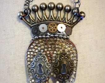 Steampunk Skull and Crown Necklace