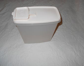 Vintage extra large Tupperware Storage Container