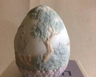 Lladro 1995 Limited Edition Porcelain Egg RETIRED