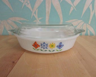 1960s Phoenix Opalware stylised flower motif pie/flan dish (extra lid)