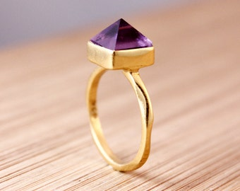 Gold Amethyst Point Ring - Spike Ring