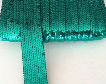 Galon paillettes sequins rond VERT EMERAUDE sur 6 rangs vendu a la coupe à partir de 20cm