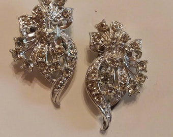 Vintage silver toned rhinestone art deco style shoe clips
