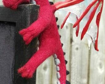 Corner Hanging Dragon