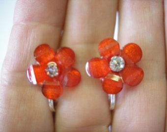 """Earring - Flower w/Bling - Red - 5/8"""""""