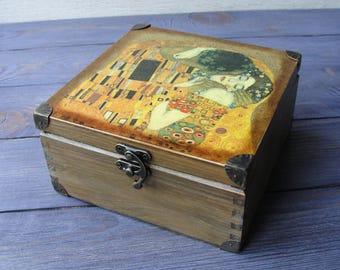 Wooden tea box Gustav Klimt The Kiss Tea storage box Tea bag box Tea bag storage Tea chest Tea caddy Art Nouveau Wood tea box Tea gift box