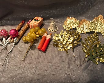 Vintage 1950s Christmas ornament items for crafts