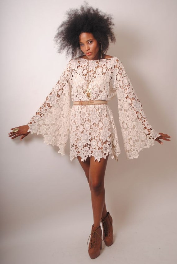 BELL SLEEVE vintage-inspired 70s style ivory LACE crochet