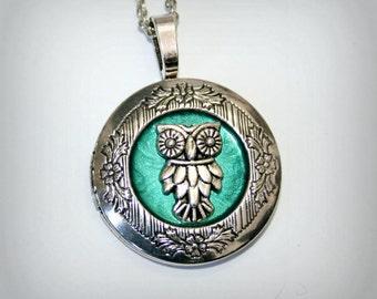 Owl - Silver Locket Necklace  - Wedding Birthday Bridesmaids Gift-Locket Personalized Jewelry Family Locket (v)