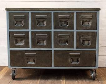 Industrial drawer Unit