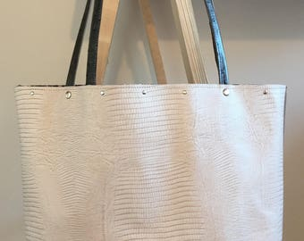Tote two-tone leather taupe and cream textured leather printed resptile handle ostrich liberty cotton lining