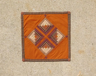 Primitive Quilt, Quilted Wall Hanging, Homespun Material, Plaid, Quilt Wall Decor, Quilt Table Toppe,r Log Cabin Quilt