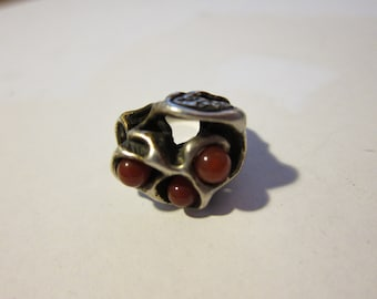 Size:  U.S. 9 ** Gorgeous 1960s Silver and Red Glass Artistic Ring (30)