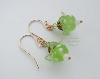 Green earrings, flower earrings, spring earrings, spring green, bronze earrings, nature lover gift, mothers day, nature inspired, polka dot