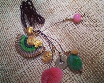 Necklace warm colors                             Kaulakoru lämpimät värit