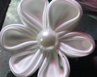 Kanzashi white