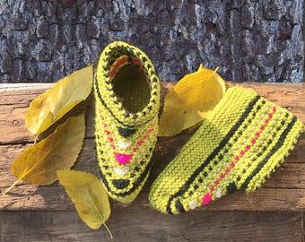 Women Slippers,  Green Knitted Slippers, Winter Slippers, Knitted Indoor Slippers, hand knitted slippers, winter socks, Valentines day gift