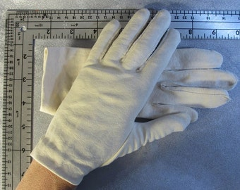 Pale taupe textured wrist length gloves