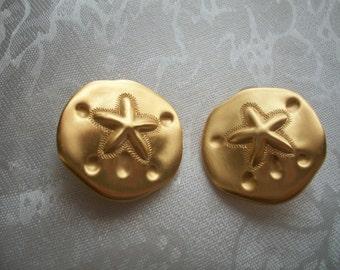 Vintage en métal doré jaune Dollar de sable boucles d'oreilles Clip, Nanas Boutique Vintage sur Etsy