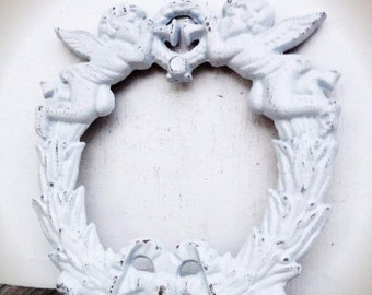 BOLD cherub angels cast iron wreath // crisp snowy white // shabby chic Christmas // rustic cottage outdoor // metal wall art