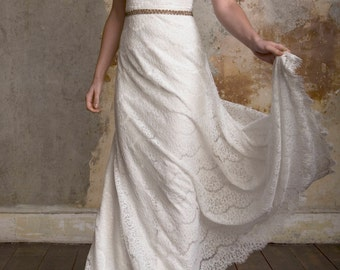Lace Wedding dress with train. Sleeveless size 10 **NEW REDUCED PRICE**