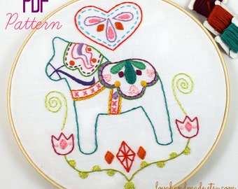 Dala Horse. Hand Embroidery Pattern. Embroidery Designs. Swedish Horse. Scadinavian. PDF Pattern. Digital Pattern. Hand Sewing Pattern.
