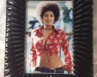 Pam grier sexy red — photo 13