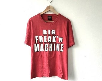 20% VTG SALES Vintage 90s Kean Raw WWE World Wrestling Entertainment Usa Big Freak n Machine Printed Graphic T-Shirt Size M