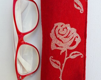 744 case (T2) glasses or Sun in Cherry Red felt with in allication a pretty pink glitter on top