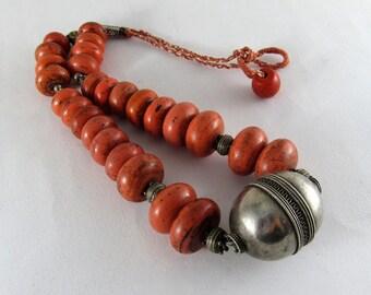Collana etnica con argenti antichi