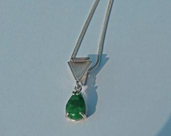 Collier d'émeraude - en forme de poire naturel collier émeraude et argent - peut collier Pierre de naissance