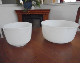 Vintage Sunbeam White Mixing Bowl Set