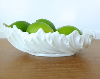 Vintage Lenox bone china 9 inch shell bowl in perfect condition