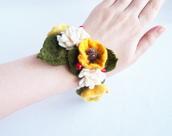 Flower bracelet floral cuff Yellow poppy and white daisy floral Bohemian Romantic Hippy wedding Woman Multiuse accessory 2016