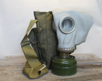 Gas Mask ... Cyber Mask ... halloween ... Vintage Soviet Army Gas Mask ... Military ... Gothik ... USSR ... Russian ... punk