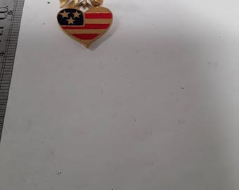 Gold toned ribbon and heart flag pin brooch used